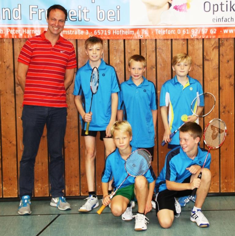 http://www.tvhofheim-badminton.de/cms/wp-content/uploads/2011/09/Team-U13-1-TV-Hofheim-28-09-14.jpg